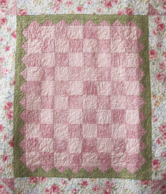 pinksquares_baby-quilt